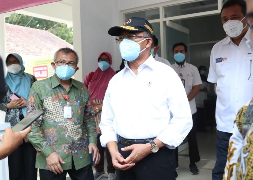 Menko Muhadjir Effendy Kunjungi Laboratorium PCR RSUD Kabupaten Kediri