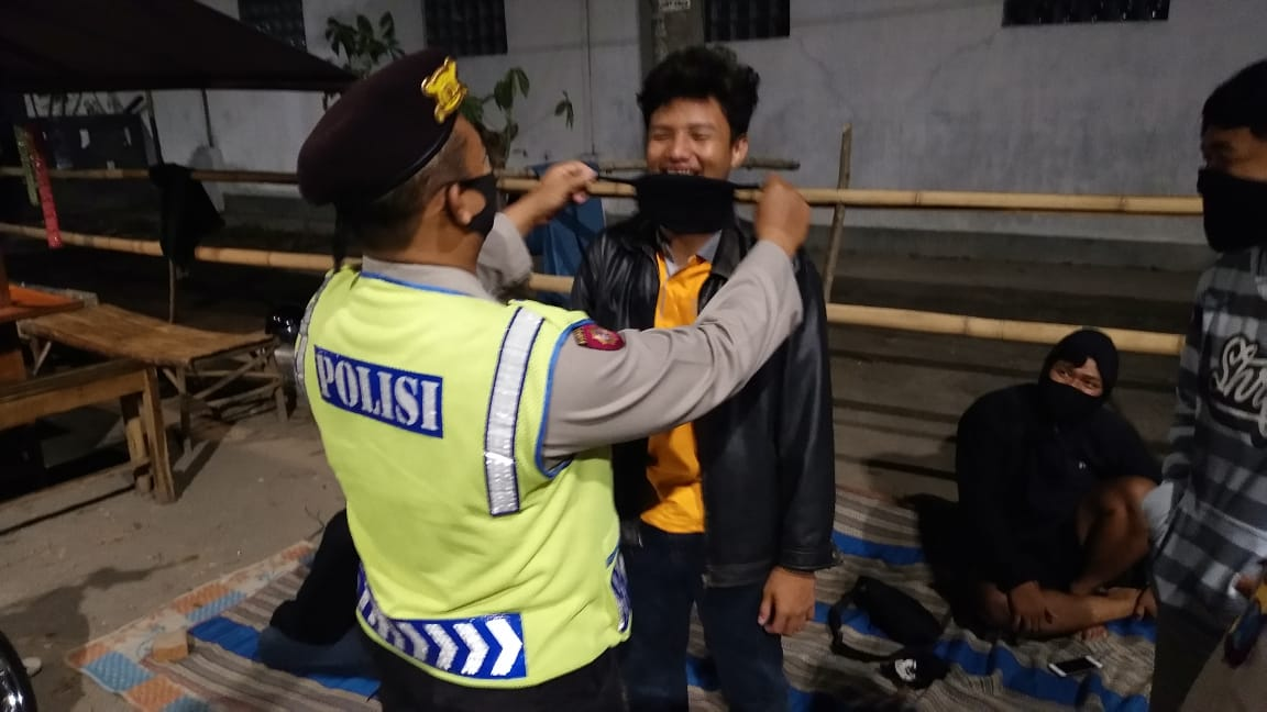Razia Masker Oleh Polsek Kandat Polres Kediri