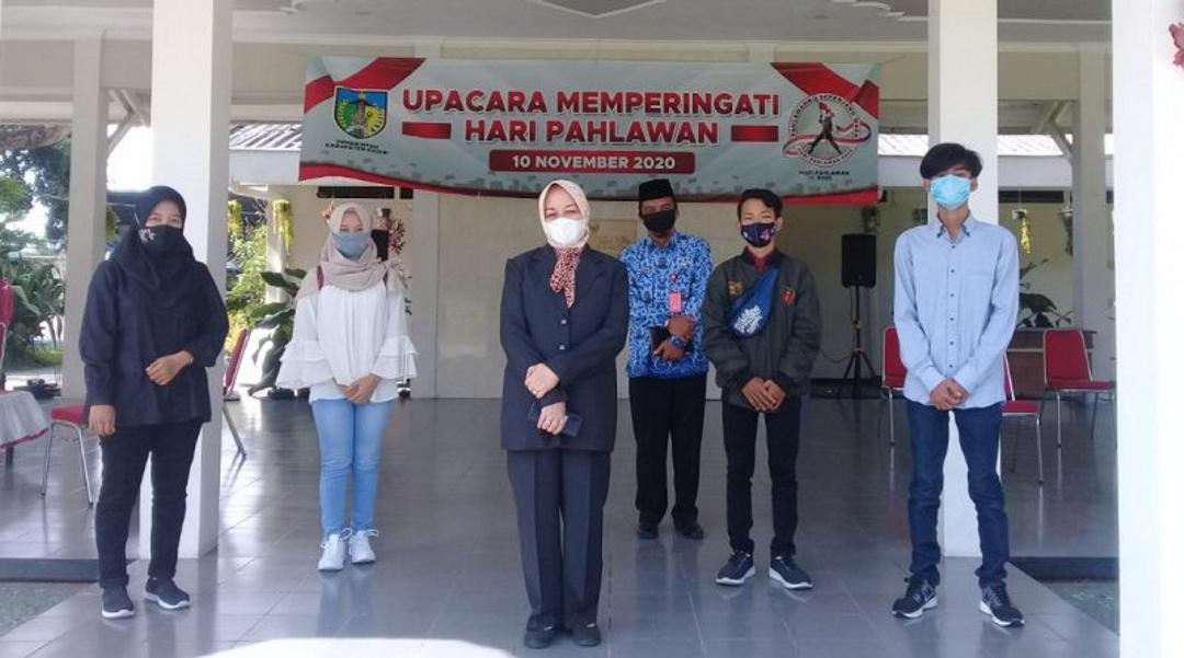 Bupati Kediri Lepas Tiga Penyandang Disabilitas Untuk Mengikuti Pelatihan Batik Ke Klaten