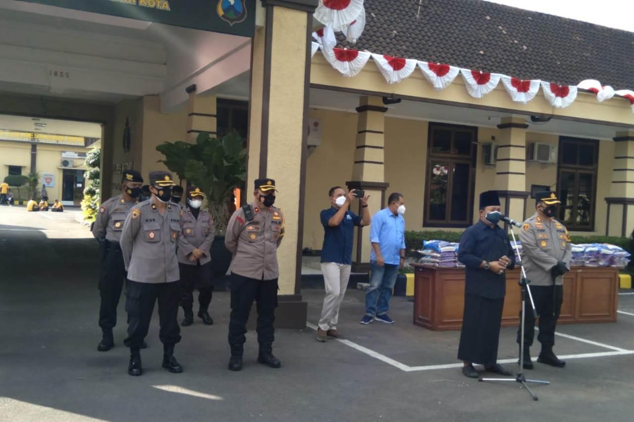 Kapolres Kediri Kota Gelar Silaturahmi dan Berikan Bansos untuk Awak Media Se-Kediri Raya