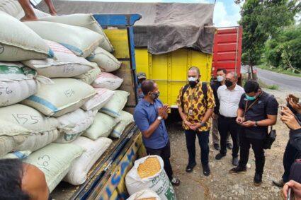 Satreskrim Polres Blitar Kota Kawal Bantuan Jagung dari Presiden RI untuk Suroto